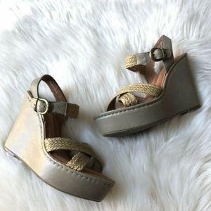BORN Leather Wicker Strap Soft Platform Sandals